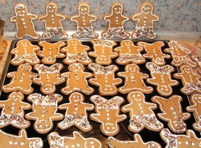 имбирное печенье,человечки,имбирь,мед,патока,новый год,2012,рецепты,выпечка,пряники