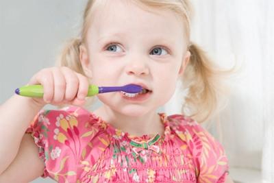зубы,налет,ребенок,чистить зубы,утро,вечер,раковина