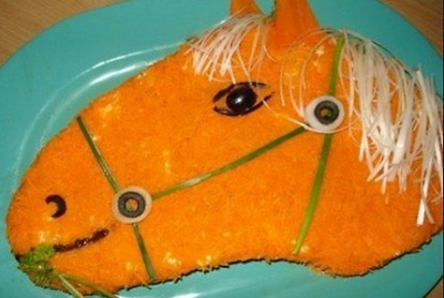 новый год,лошадь,2014 год,салат,год лошади,синяя лошадь,стол