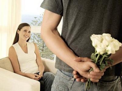 цветы,дарить,девушка,мужчина,витрина,намек