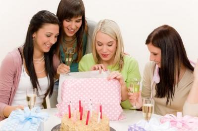 подруга,поздравления,смс,подарки,день рождения,свечи,праздник,веселье