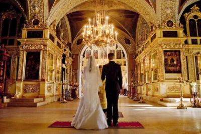 венчание,церковь,пара,влюбленные,батюшка,брак,свадьба