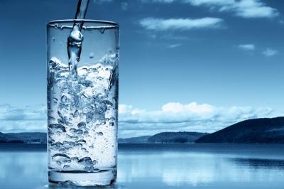 молодость,вода,питьевая вода,минералы,лед,сырая вода,утро,кишечник,стройность